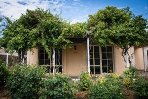 Olive House Accommodation Kimba - Whitsundays Tourism