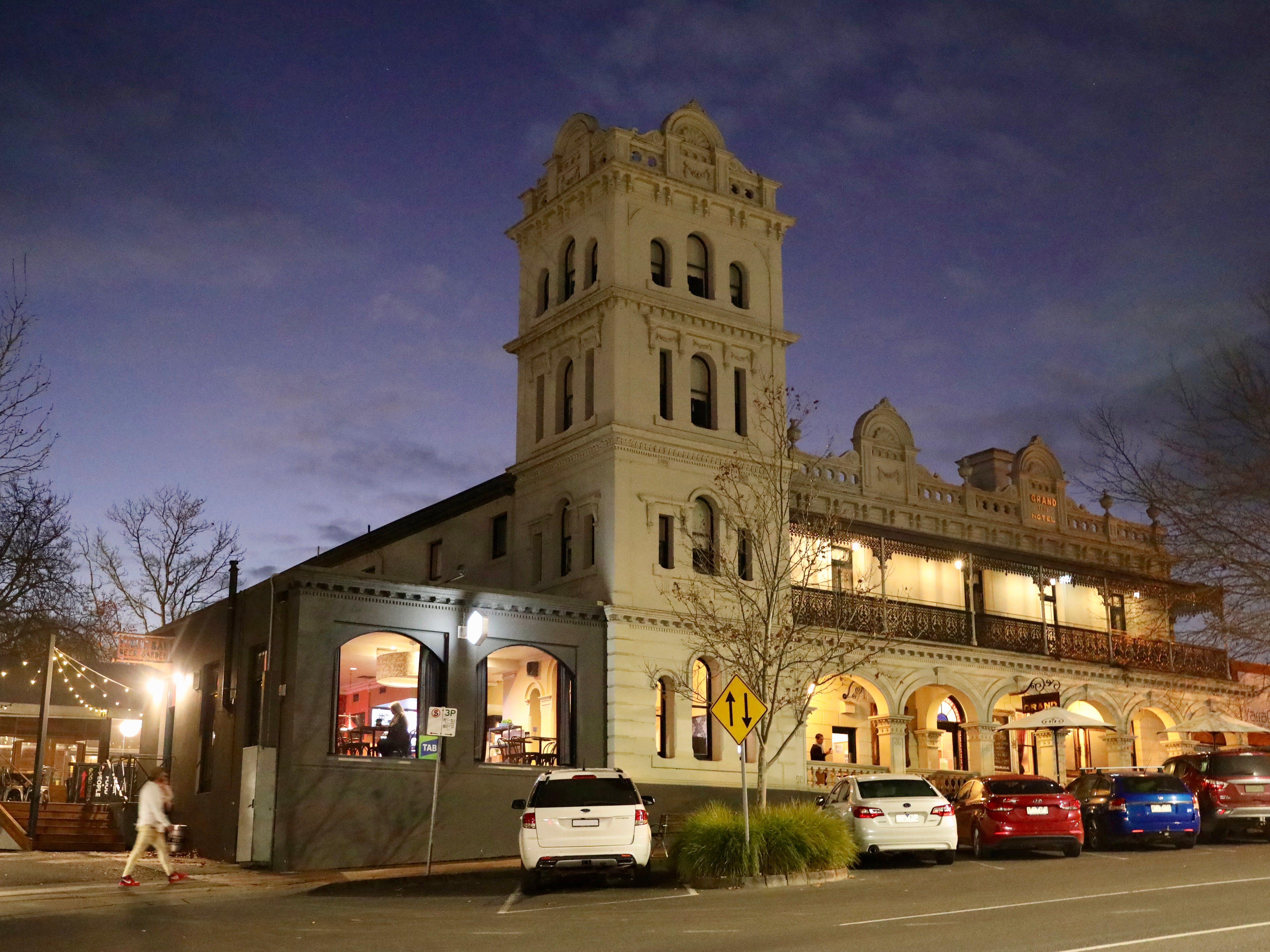Yarra Valley Grand Hotel - Whitsundays Tourism