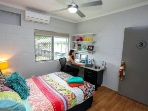 Cairns Student Lodge - Whitsundays Tourism