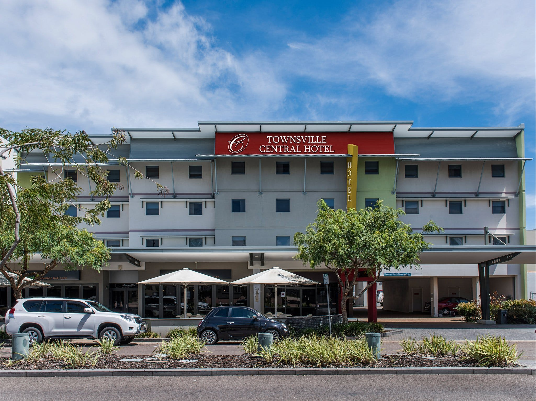 Townsville Central Hotel - Whitsundays Tourism
