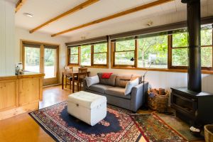Braeside Mount Macedon Country Retreat - Whitsundays Tourism