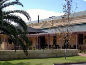 Dongara Hotel Motel - Whitsundays Tourism