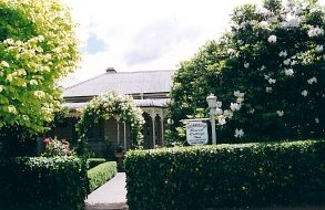 Bowral Cottage Inn - Whitsundays Tourism