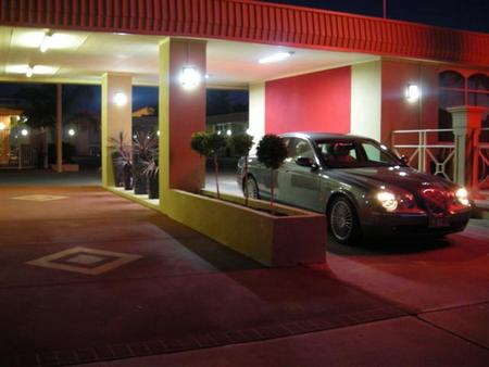 Desert Sand Motor Inn - Whitsundays Tourism