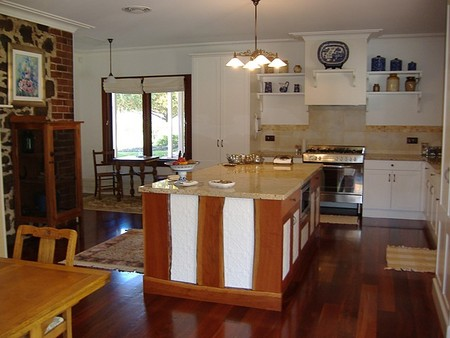 Poplar Cottage Bed And Breakfast - Whitsundays Tourism