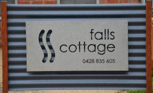Falls Cottage Whitfield - Whitsundays Tourism