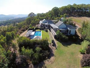 215 Mt Buffalo Retreat - Whitsundays Tourism