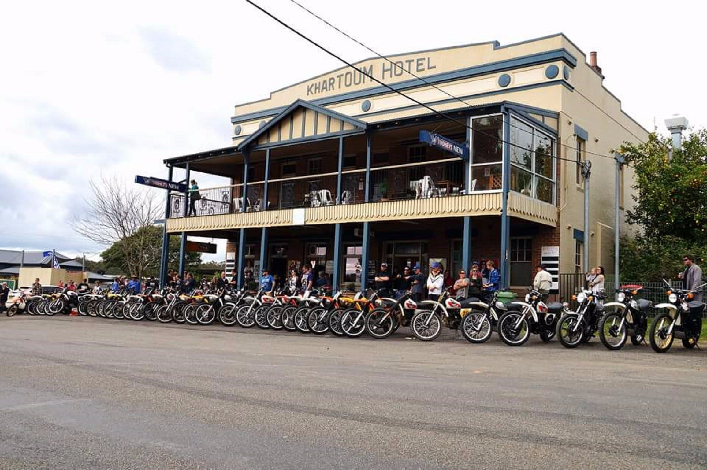 Kitchener Hotel - Whitsundays Tourism