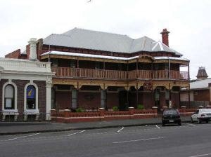 The Queenscliff Inn - Whitsundays Tourism