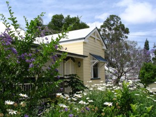 Aynsley Bed and Breakfast - Whitsundays Tourism