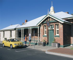 Old Court House Complex - Whitsundays Tourism