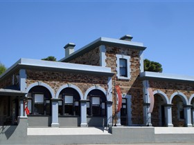 Burra Regional Art Gallery - Whitsundays Tourism