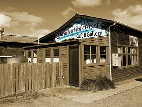 Dunalley Waterfront Cafe and Gallery - Whitsundays Tourism