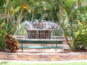 Bauer and Wiles Memorial Fountain - Whitsundays Tourism