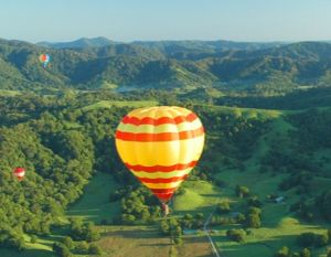 Byron Bay Ballooning - Whitsundays Tourism