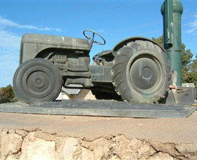 Ferguson Tractor Monument - Whitsundays Tourism