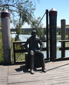 Captain John Egge Statue - Whitsundays Tourism