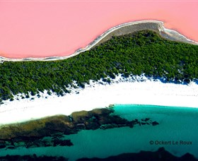 Lake Hillier - Whitsundays Tourism