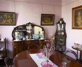 Jerilderie Historic Residence - Historic Home and Gardens - Whitsundays Tourism
