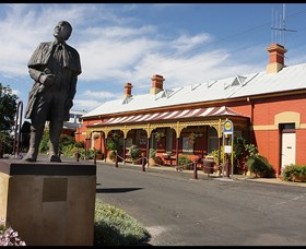 Forbes Railway Arts and Visitor Information Centre - Whitsundays Tourism