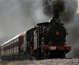 Lachlan Valley Railway - Whitsundays Tourism