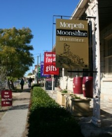 Morpeth Wine Cellars and Moonshine Distillery - Whitsundays Tourism