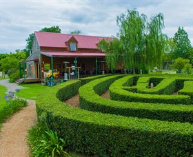 Amazement Farm and Fun Park / Cafe and Farmstay Accommodation - Whitsundays Tourism