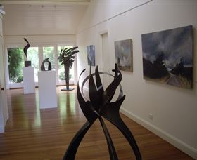 Ivy Hill Gallery - Whitsundays Tourism