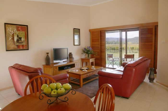 Nightingale Wines Luxury Villas - Whitsundays Tourism