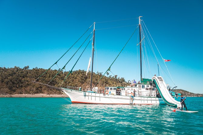 2 night Whitsunday Islands Cruise on New Horizon from Airlie Beach - Whitsundays Tourism