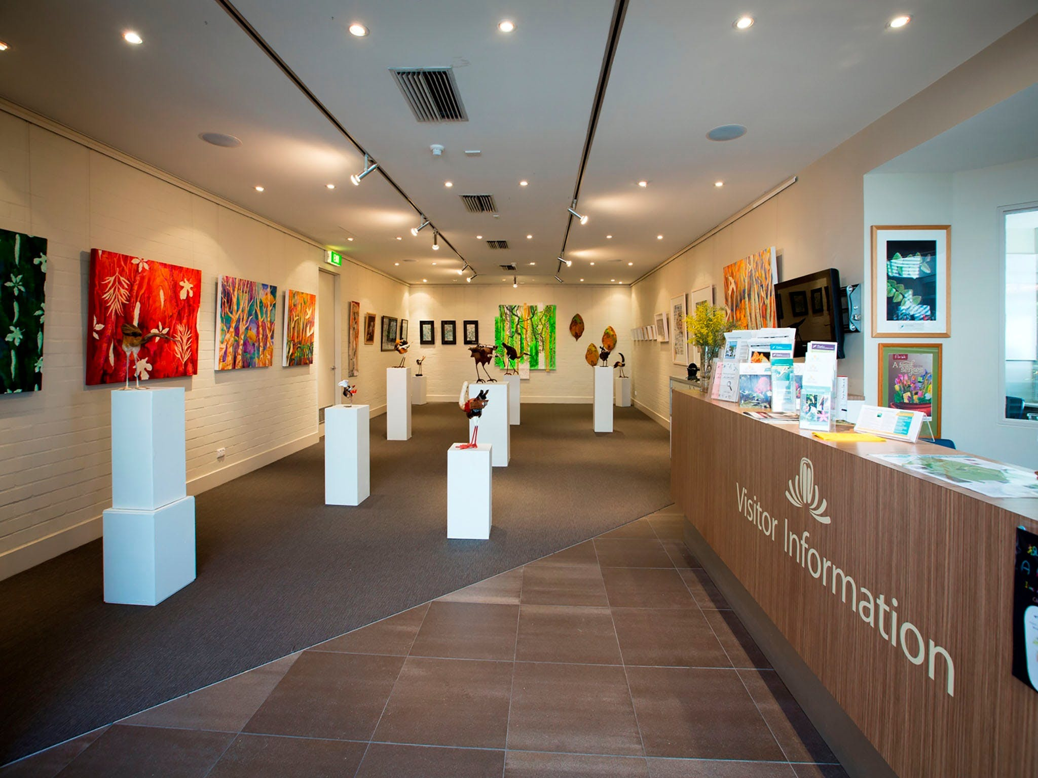 Australian National Botanic Gardens Visitor Centre Gallery - Whitsundays Tourism