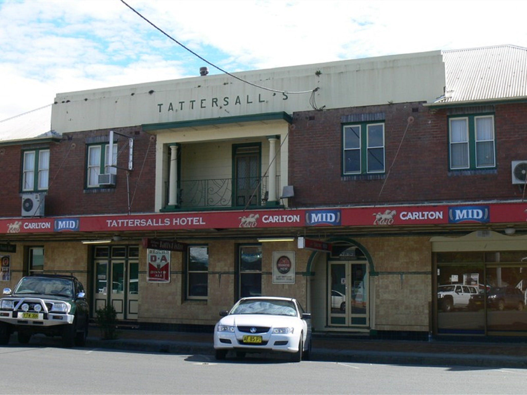 Tattersalls Hotel - Casino - Whitsundays Tourism