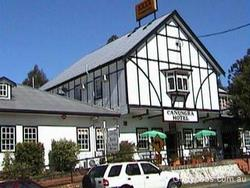 Canungra Hotel - Whitsundays Tourism