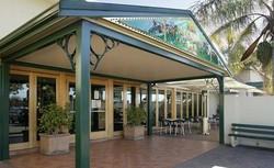 Twin Willows Hotel - Whitsundays Tourism