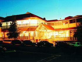 Loxton Community Hotel Motel - Whitsundays Tourism