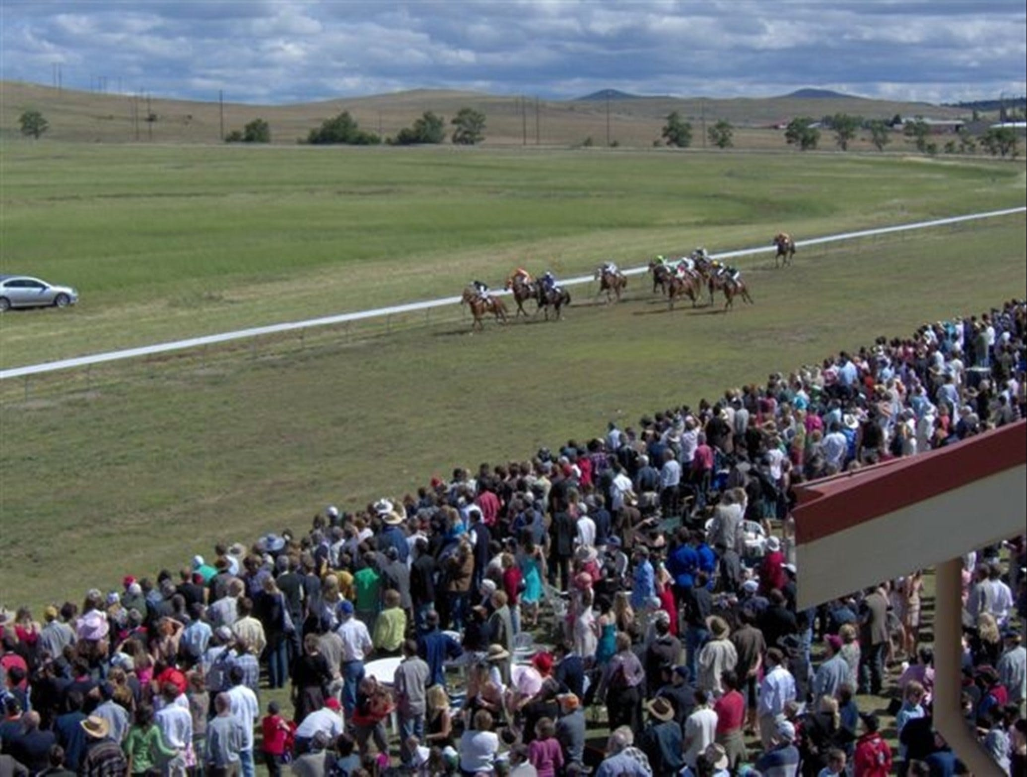 Cooma Sundowners Cup - Whitsundays Tourism