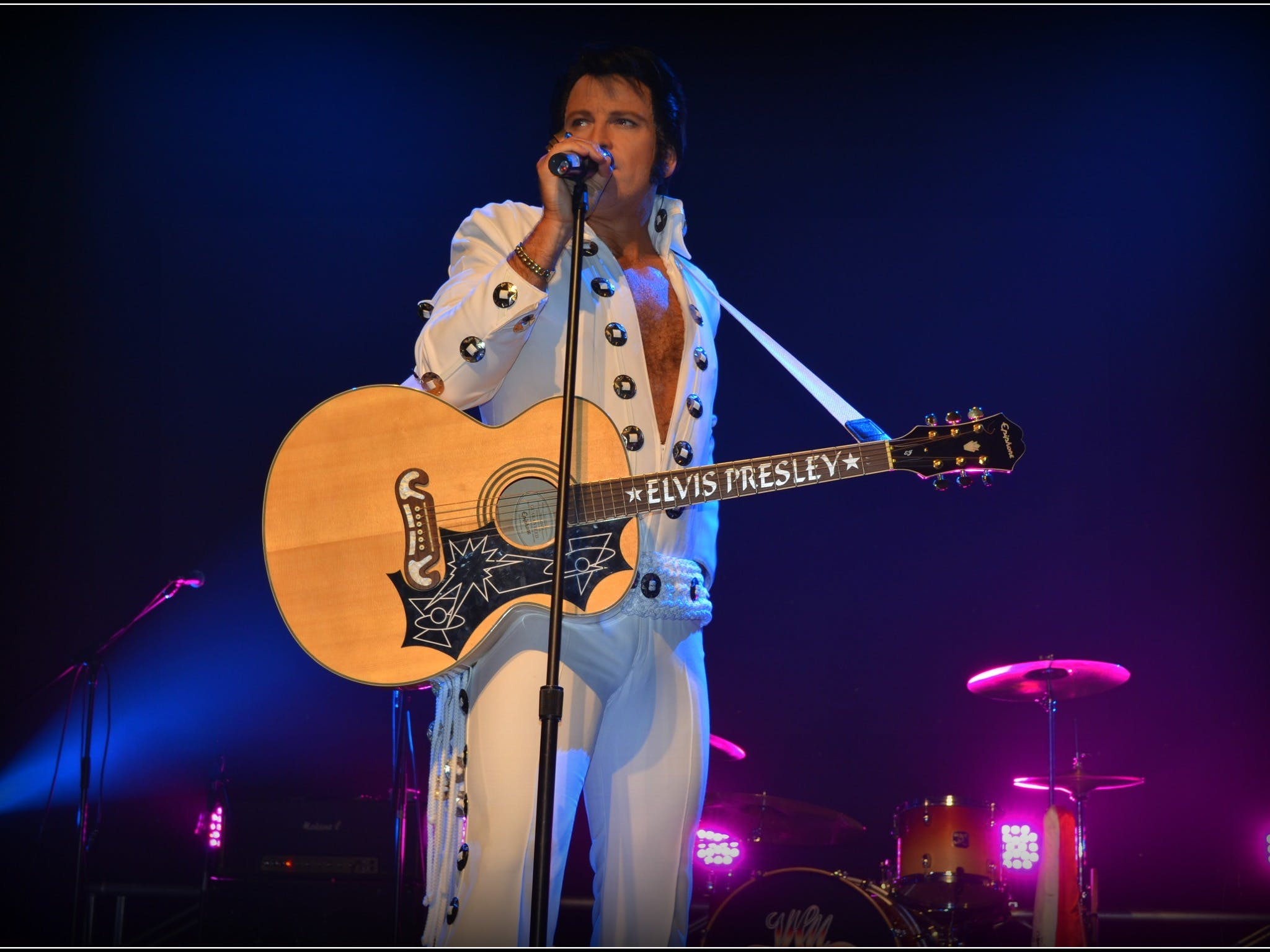 Elvis Forever - Damian Mullin 'Up Close and Personal' - Whitsundays Tourism