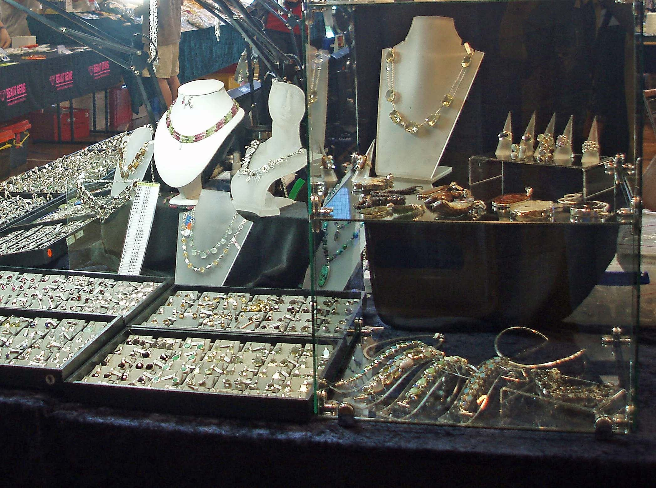 Toowoomba Gemfest - Gems and Jewellery - Whitsundays Tourism