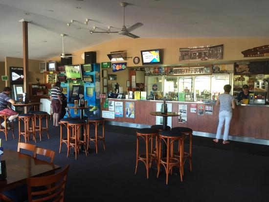Riverview Tavern - Whitsundays Tourism