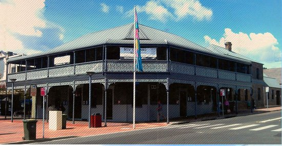 The New England Hotel - Whitsundays Tourism