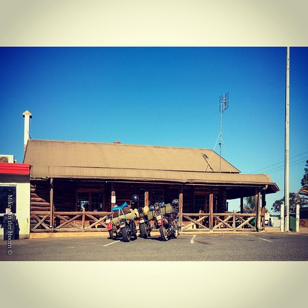 Gold Nugget Truck Stop - Whitsundays Tourism
