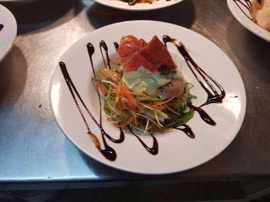 Channel Inn Bar and Bistro - Whitsundays Tourism