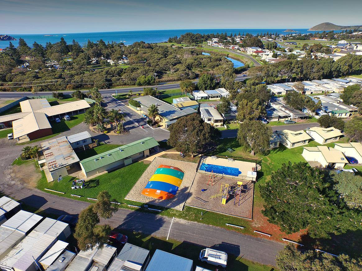 Victor Harbor Holiday  Cabin Park - Whitsundays Tourism