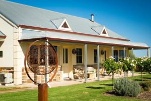 Barossa Vineyard Cottages - Whitsundays Tourism