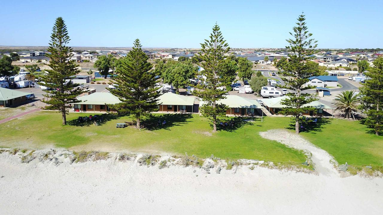 Wallaroo Holiday Park - Whitsundays Tourism