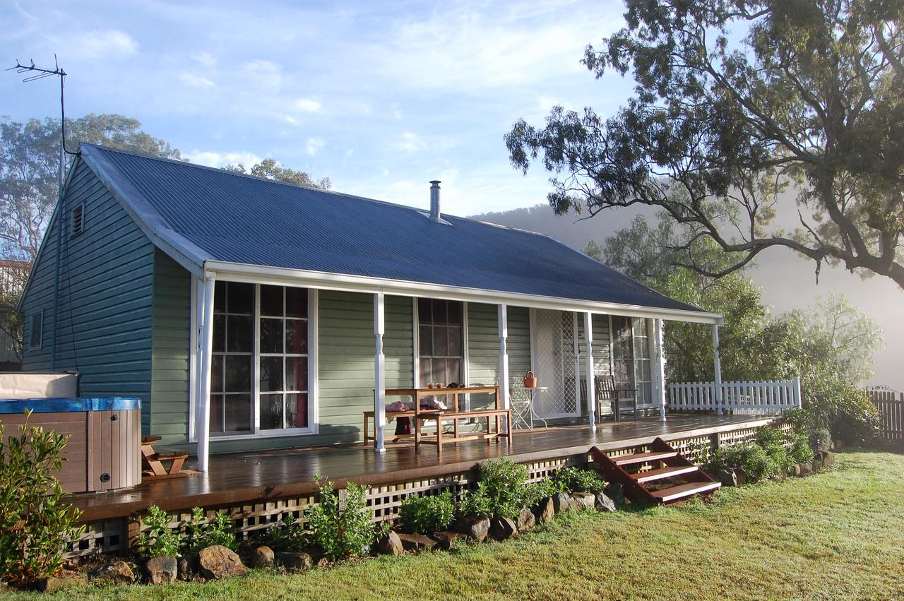Cadair Cottages - Whitsundays Tourism