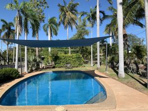 Pine Tree Motel - Whitsundays Tourism