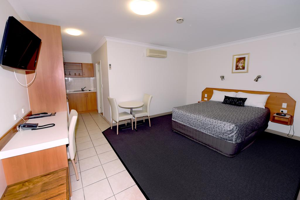 Carriers Arms Hotel Motel - Whitsundays Tourism