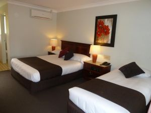 McNevins Warwick Motel - Whitsundays Tourism