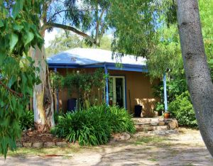 Rose Cottage - Whitsundays Tourism